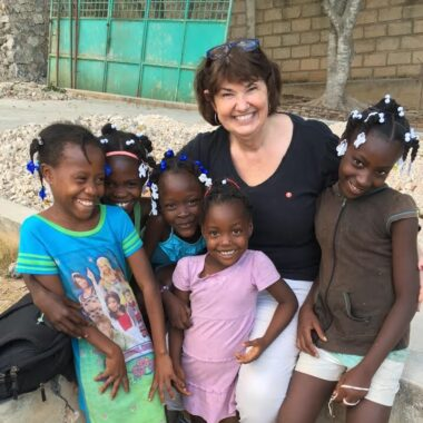 Cindy Corell_w girls_Haiti
